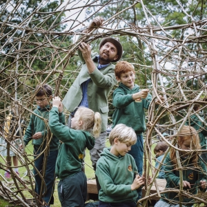 Pic Oakwood Children Help To Create Giant Sculpture