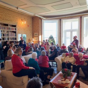 Pic Oak Guests Enjoy Christmas Day At Oakwood